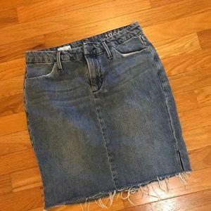 GAP jean denim mini skirt size 4